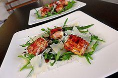 Gebratener Schafkäse im Speckmantel auf Rucola-Parmesan-Salat, ein schönes Rezept aus der Kategorie Fleisch & Wurst. Bewertungen: 141. Durchschnitt: Ø 4,5.