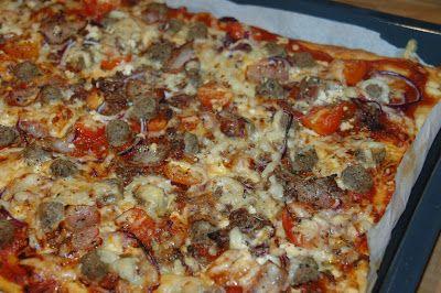ganske enkelt: Fredagspizza med fetaost, små tomater og bacon
