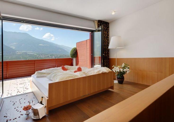 Romantisch: Rollendes Bett mit privater Terasse. Schlafen unterm Sternenhimmel in Südtirol <3
