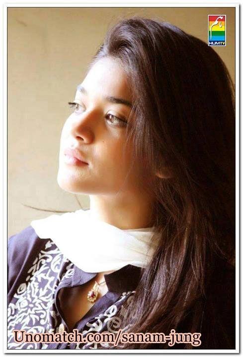 Sanam Jung Pakistani Actress Fashion Model .. www.unomatch.com/Sanam-Jung