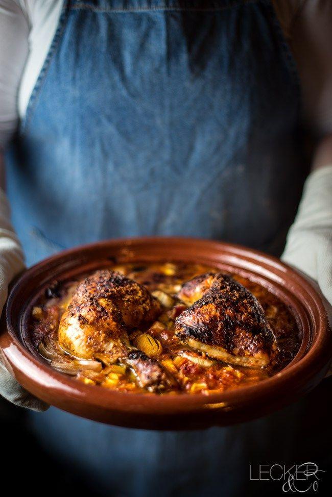 Dieses Ofen Hähnchen schmeckt nach Karibik und ist ein großartiges Gericht, wenn man keine Lust hat groß aufzukochen: alles in die Form geben, nach 60 Minuten genießen.
