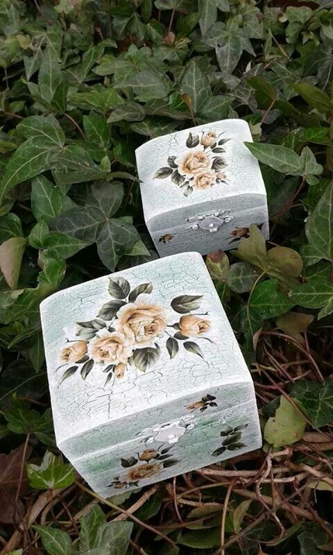 Handmade decoupage technique box.22eur