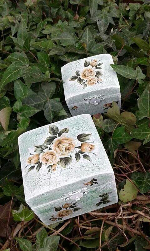 Handmade decoupage technique box.22eur