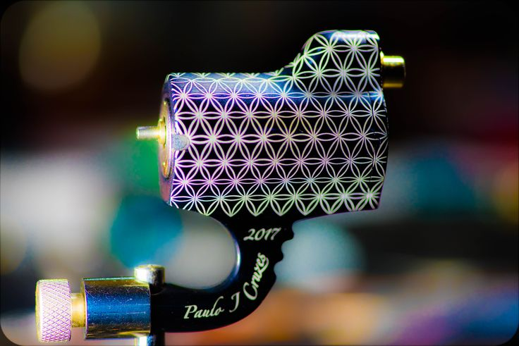 The FATBOY DD, Direct Drive rotary tattoo machine, model 2017, with an adjustable ceramic bearing, you can adjust the stroke from 2mm to 5mm. Beautiful flower of life pattern engraved.