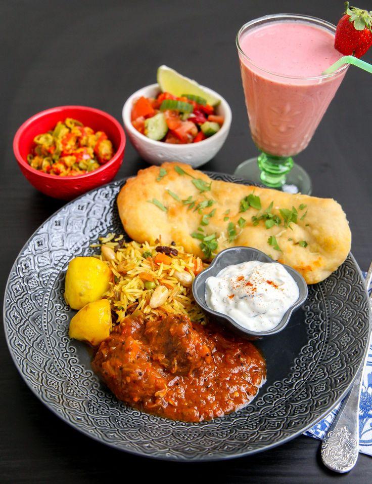 En äkta Indisk lammcurry som smakar helt fantastiskt. Du gör curryn själv med en härlig blandning av massa kryddor, det kommer dofta ljuvligt i hela hemmet när grytan puttrar.