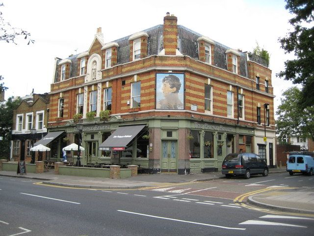 One of my favourite pubs, right across the street from Brockwell Park and just about 10 mins from my flat.