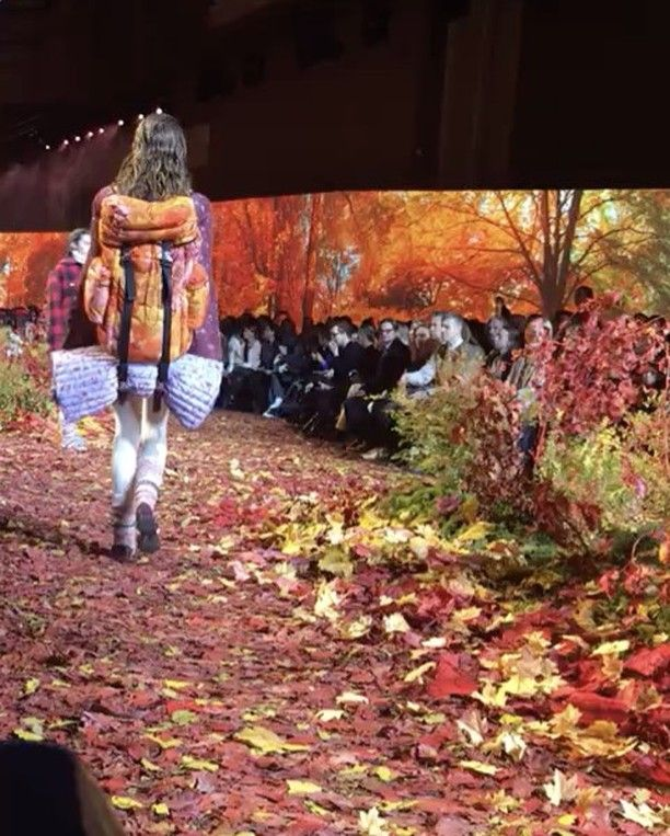 Полный эффект погружения в осень от #MonclerGammeRouge #moncler #pfw @moncler  via INSTYLE RUSSIA MAGAZINE OFFICIAL INSTAGRAM - Fashion Campaigns  Haute Couture  Advertising  Editorial Photography  Magazine Cover Designs  Supermodels  Runway Models