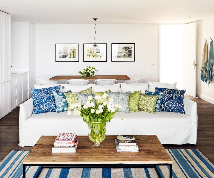 Collette Dinnigan has transitioned from fashion to interior design, working with boutique hotel Bannisters by the Sea in Mollymook to transform two penthouse suites with her famously feminine touch.