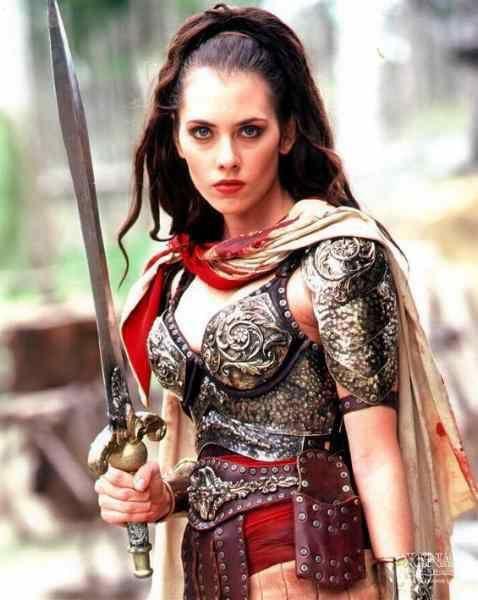 Adrienne Wilkinson como Eve em Xena a Princesa Guerreira