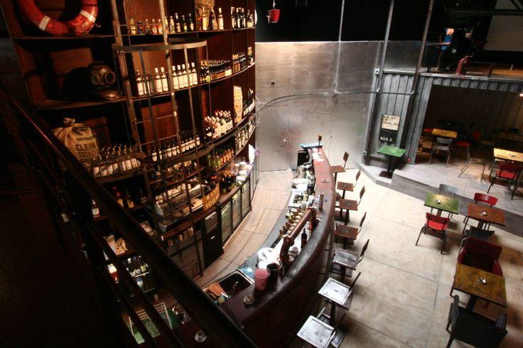 le bar en acier version cargo (de Tabary Le Lay )