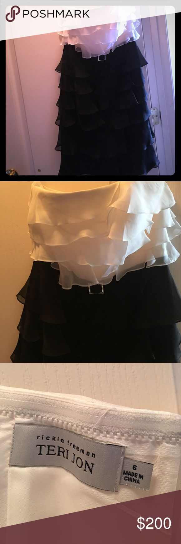"""Strapless black and white formal dress. Rickie Freeman, Teri Jon black and white ruffle strapless dress with sequin detailed """"belt"""" at waist. Stored in smoke free home in garment bag. Worn once. Rickie Freeman Teri Jon Dresses Strapless"""