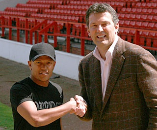 With Robert Earnshaw.