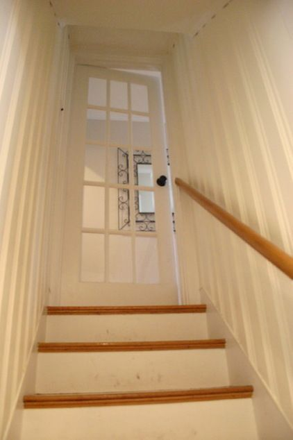 Paint the basement stairs! eclectic staircase by Christina Katos #EklektischeEinrichtung