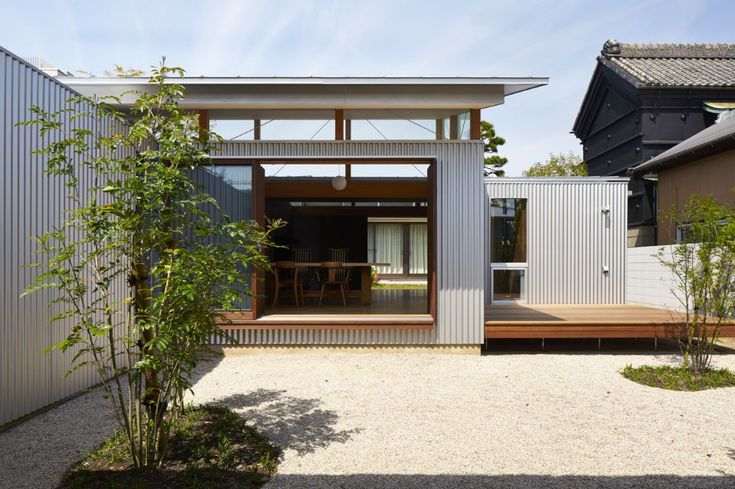 Arii Irie Architects, House with gardens and roofs, Hamamatsu, Japan, 2017