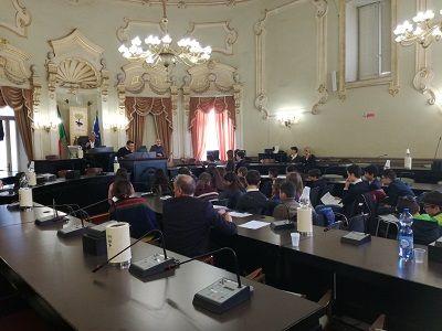 Lecce Consiglio Comunale alla presenza degli studenti di alcune scuole medie