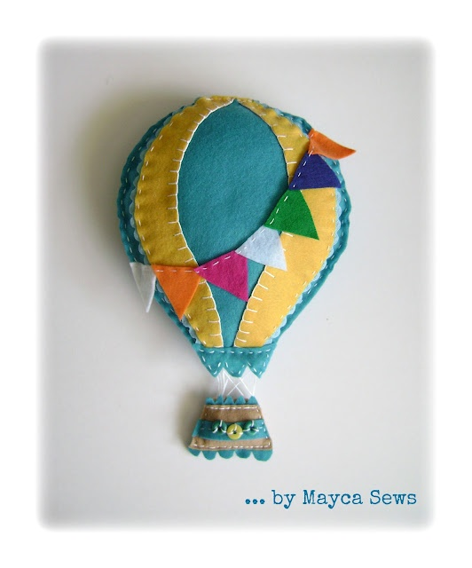 Mayca cose...: Hot Air Balloon Wall Decor. So cute. Summer decor. Felt. Photo prop.