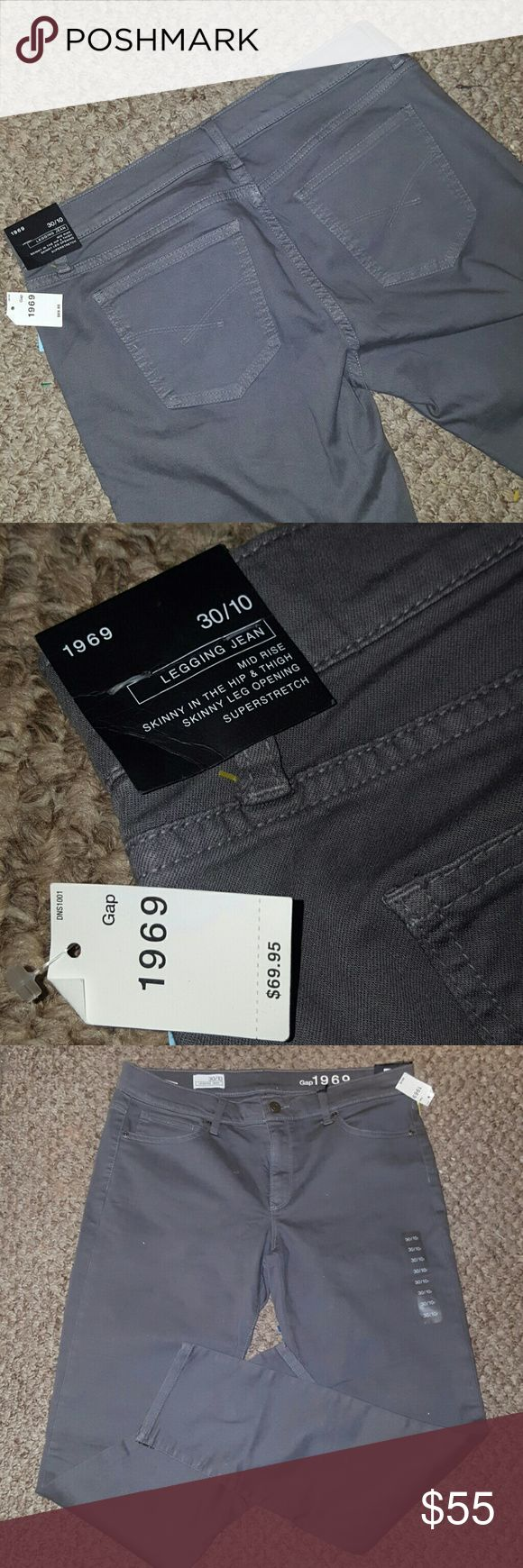 LEGGING GRAY JEANS GAP NWT ~ 30/10R $69.95 Size 10 regular (or 30 if you go by waist) Retailed for $68.95 Gray Legging Jean's by Gap. New with Tags. Never got to wear and I'm moving and must downsize. Fabric is so soft and comfy. Perfect for casual or dressy wear. 85% cotton 13% polyester 2% spandex GAP Jeans Skinny