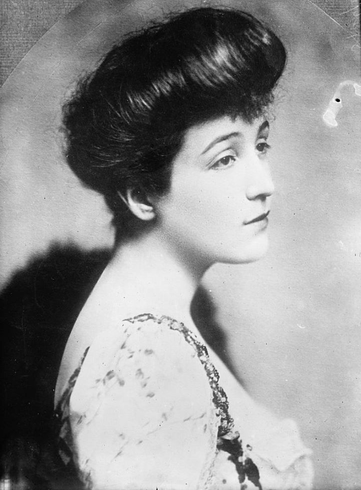 Ava Lowle Willing Astor, first wife of John Jacob Astor IV, ca. 1900