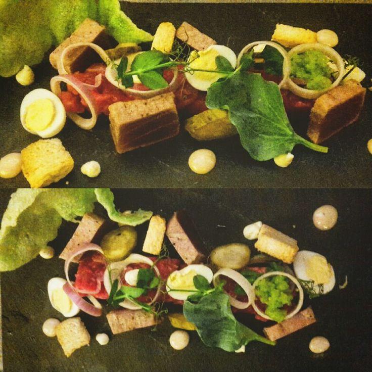 Tartare van berkshire beef met geschroeide tonijn, kaviaar van lenteui
