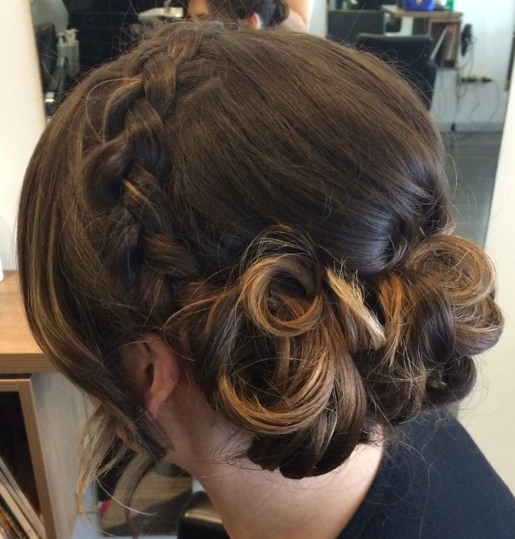 Braided hair style for weddings and bridal parties