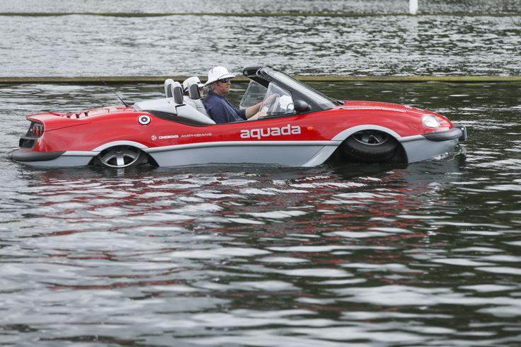 @TheEddChina drives @GibbsAmphibians #Aquada #Thames #Amphibious #henley #festival #GibbsAmphibians @Tradboatfest