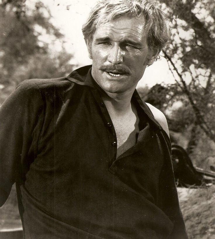 "Richard Harris as Captain Benjamin Tyreen.      ""Major Dundee"", Sam Peckinpah, (1965)"