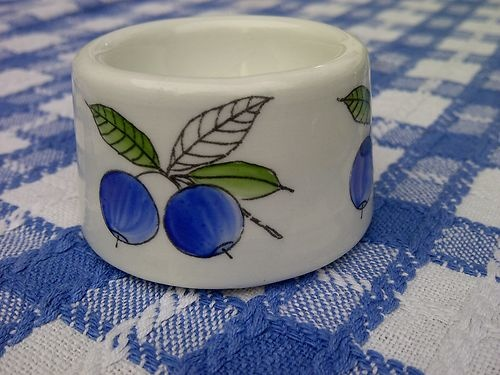 "1964-71 Arabia Of Finland Scandinavian Pottery ""Blue Berry"" Eggcup"