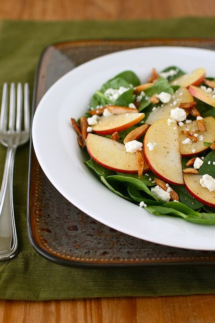 Harvest Apple and Spinach Salad -This looks delish!!  