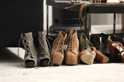 life through our lens: ArchiveAmazing Offering, Shoes Online, Platform Boots, Amazing Piin, Fashion Inspiration, Shoes Obsession, Closets Obsession, Shoes Shoes, Dreams Closets