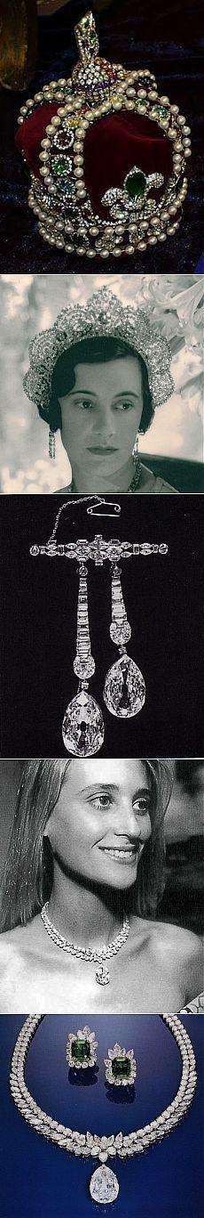 История бриллиантов Аркот.. Алмазы Аркота получили своё название от имени одного из трёх Аркотских набобов, правивших индийским княжеством Карнатик в период 1761-1818 годов. В 1777 году набоб Аркота  (Индия) Азим-уд-Даула подарил королеве Шарлотте, супруге короля Великобритании Георга III, пять бриллиантов, самый большой из которых представлял собой драгоценный камень овальной формы в 38,6 карата.