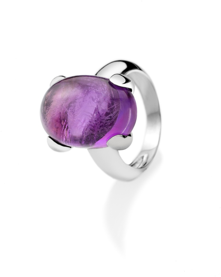 A ring from Very Berry collection by Gayubo, a Spanish jewellery company.