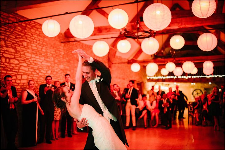 Ed Godden Photography >> click through for blog of wedding #caswellhouse #oakwoodevents #weddinglighting