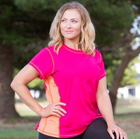 "Some like it hot..some like it cold..and here is the PERECT TEE for those that like it in between... Comes two colours Serpentine Teal Tee and Tutti Frutti Pink & ""bonus"" their on sale  Feel good, look great - activewear sizes 16-26 Made & designed in Australia #blitzactive #blitzactivewear #plussizeactivewear #positivebodyimage #plussizefashion #plussizeworkout"