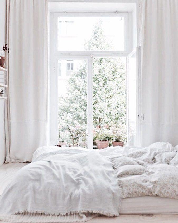 Weiße Vorhänge