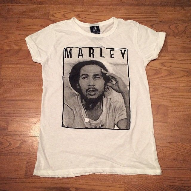 Bob Marley Shirt! Direct link to buy this shirt on the blog