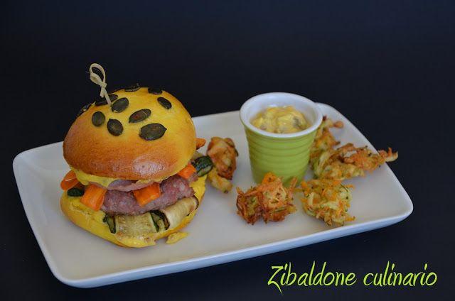Zibaldone culinario: Hamburger di salsiccia con bacon, maionese ai funghi e nuvole di carote e zucchine