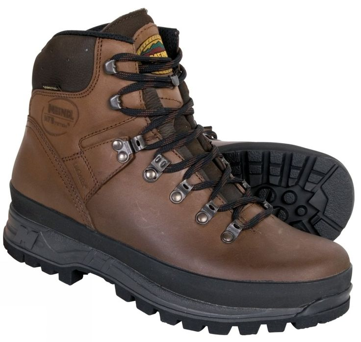It seem's right that if my character is to have the adventure look, that he would have appropriate clothing and footwear. Especially because adventure's normally involve a lot of walking I decided to give my character appropriate footwear. Walking/ hiking boots seem appropriate.