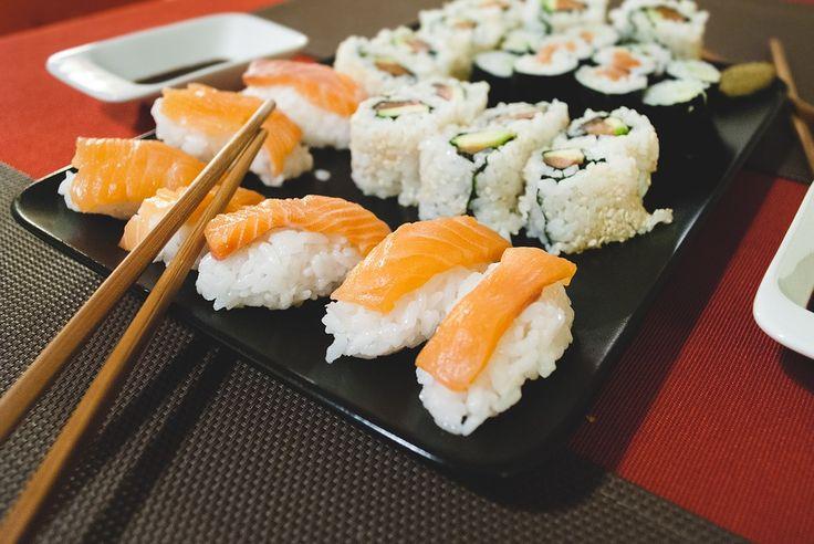 La cocina japonesa es todo un ritual en Japón, por eso cuidan con tanto detalle la presentación de cada plato. Es muy saludable ya que utilizan productos muy frescos.