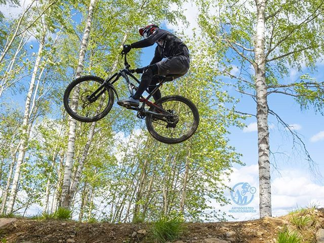 Dennislofberg Mtb Here Do His Thing With A Tabletop Jump At