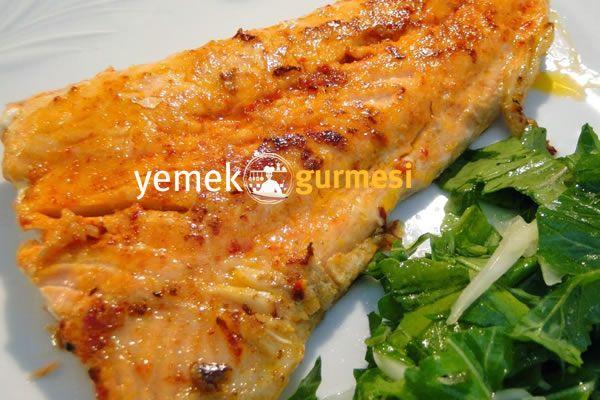 Soslu Somon Fileto Balık Tarifi - http://www.yemekgurmesi.net/soslu-somon-fileto-balik-tarifi.html