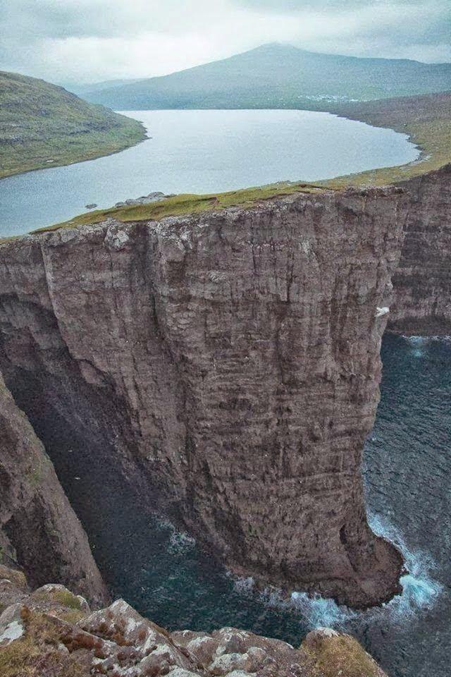 Lago Sørvágsvatn - Ilhas Faroé