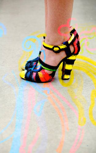 Here's another crochet shoe that looks like it would be perfect for New Mexico.