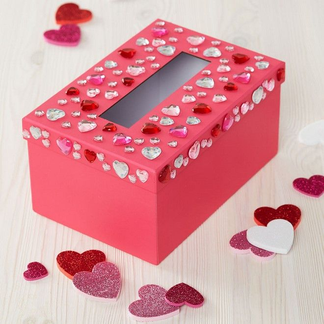 10 Creative Valentine Boxes Moms On The Clock In 2021 Valentine Card Box Kids Valentine Boxes Valentine Mailbox