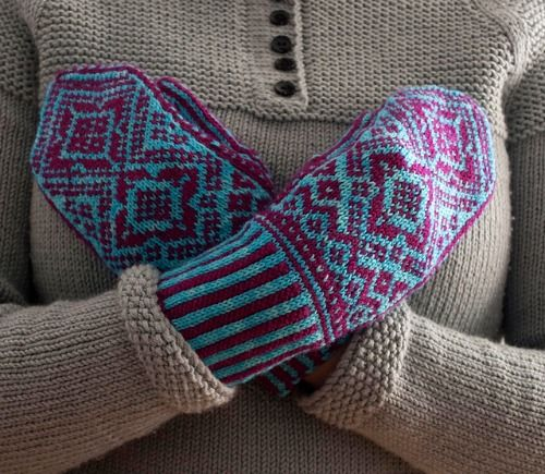 Interview with knitting designer Adriana Hernandez/AdriPrints with pattern roundup on Underground Crafter