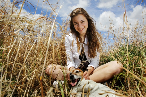 Clara van Wel winner of New Zealand's Got Talent is happy to be home in Blenheim with her dog Scratchy.  Have you heard her single Where do you find love?