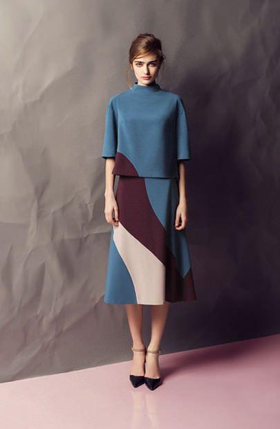 Коллекция белорусского бренда AG Green — как я поняла, это вторая линия дизайнера Алены Горецкой. На меня коллекция произвела большое впечатление. Отлично подобранная цветовая гамма, стилистика семидесятых использована очень тонко и в меру. И вообще получился очень удачный настрой и образ. Мне нравится.