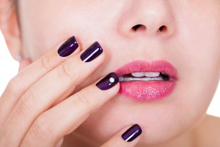 With all the options out there for gorgeous manicures, how do you decide between gel vs. acrylic nails? If you're considering false nails, get in the know before you head into the salon, with these facts that will help you determine what's best for you - http://pin.st/emy  What's your go-to for false nails – gel or acrylic?