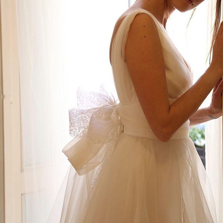 le spose de gio のアトリエのあるモンツァへ @lesposedigio  アトリエに一歩足を踏み入れた瞬間の ワクワクと感動。 イタリアブランドの巧みな技術を感じさせる上質な生地、パターン、洗練されたセンス。  すばらしすぎてため息の連続✨  #ラビアンローゼ#weddingdress#weddinghair#bridal#wedding#dress#bouquet#shooting#photo#original#ウェディングドレス#オリジナル#ヘアメイク#撮影#ブーケ#プレ花嫁#日本中のプレ花嫁さんと繋がりたい#weddingdress#weddinggown#bridalgown#bridalfashion#sayyestothedress#ウエディングアクセサリー http://gelinshop.com/ipost/1519277855355012226/?code=BUVjyjzjYSC