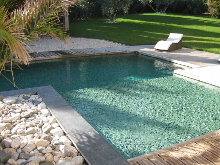 17 meilleures id es propos de carrelage piscine sur pinterest carrelage exterieur piscine - Piscine eau noire besancon ...