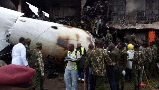 Avión De Carga Se Estrella Contra Edeficio En Kenia